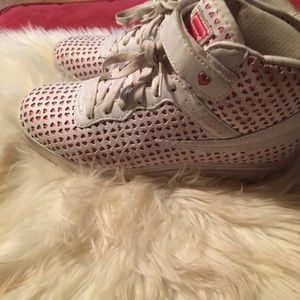 Women's Fula high tops size 9 with hearts